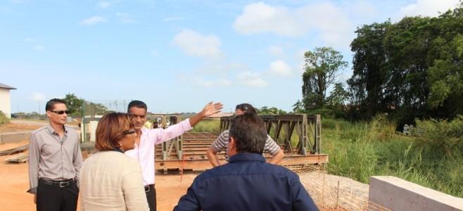 Aménagement des berges du canal Eau Lisette : Réception d'un Pont Bailey