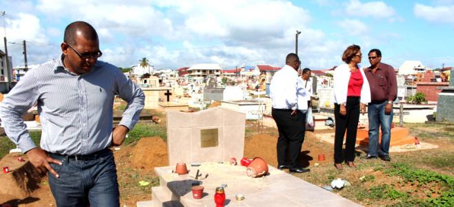 Profanation au cimetière de Cayenne centre