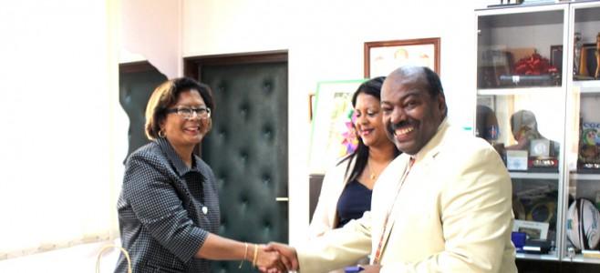 Le maire reçoit le consul des Etats Unis basé à Paramaribo