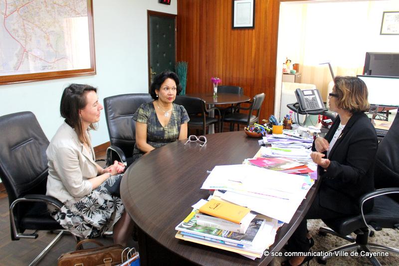 2-Visite de la directrice de l'INET à l'Hôtel de Ville (6)
