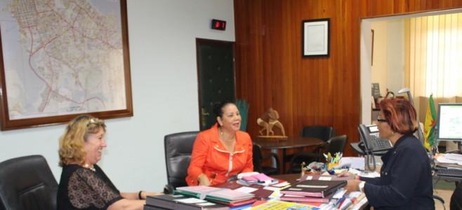Henrietta Van-Keeken, Délégué du gouvernement rencontre le maire de Cayenne