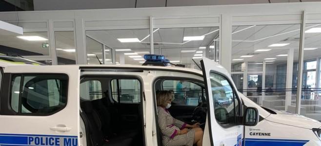 Renforcement des moyens de la police municipale de Cayenne : réception de deux véhicules